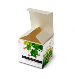 Wedding favor box petals and vines